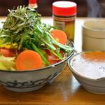 ぼんじゅーる - 料理写真:サラダ風ミートソーススパゲティー