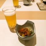 鮨 ゆきむら - 料理写真:まずはうるいと子持昆布。うるいがシャキシャキ。