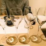 鮨 ゆきむら - 白ワインを頂くことに。