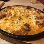 カットステーキ食べ放題×チーズタッカルビ 肉バル ミートボーイN.Y  -