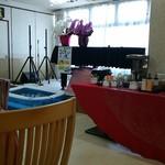 ダイニング 華 - こどもの日用にグランドピアノ前に子供のお菓子釣りのビニールプール