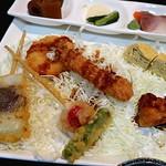 84992532 - 海老フライや野菜天ぷら