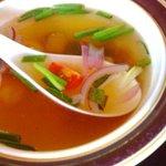 バーン・キラオ 下北沢店 - タイ風焼きそばセット 700円 の えびスープ