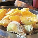 85001432 - シャカシャカフライドポテト:紙袋に入ったまま よく振って 美味しい お塩と まぶします。      2018.04.28