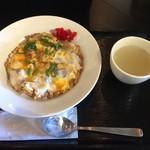 鳥めし 鳥藤 - ここは鶏こま親子ライスでしょう さっくり刻んであるモモ肉と玉子トロトロが美味しいです さすが鳥藤