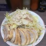 ラーメン二郎 - 小豚W+ねぎ※ヤサイ、ニンニク、アブラ