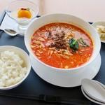 豊浜サービスエリア(上り) レストラン 千登世 - 陳建一の坦々麺セット 悪くなかったけど麺がいまいち