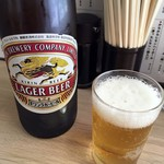 大衆酒場 五の五 - 瓶ビール「キリンラガー」大瓶。590円也。