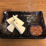 酒饌亭 灘菊 - 酒盗チーズ添