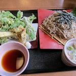 地粉そば処 みのり - 野菜天ざる