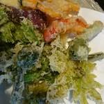 うずら家 - 山菜とお野菜の天ぷら盛り合わせ
