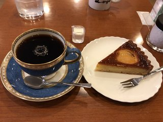 カフェ・ラルゴ - コスタリカと自家製ケーキで850円