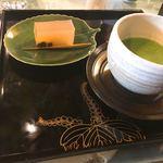 古道具 海津 - お抹茶とお菓子