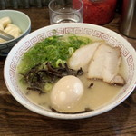 本場博多 長浜ラーメン まるむら - 半熟味玉ラーメン(750円)