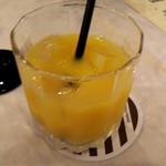 天久テラス - 子ども用に,オレンジジュースを頂きました。