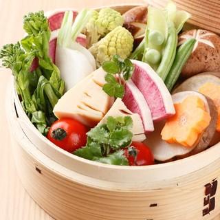 毎朝野菜ソムリエがこだわり厳選した野菜を使用。