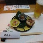 河内屋 - 料理写真:付き出し & 生ビール