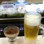 初音 - 自家製生蛍烏賊の沖漬けと生ビール