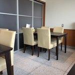 カフェ&キッチン ともあ - 奥のテーブル席