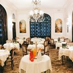 Hotel Raphael - ル・レストラン 朝食会場 貸し切り状態です。