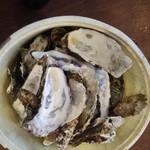 塩竈かき小屋 - 貝殻