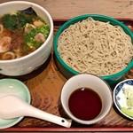 松のや - 料理写真:鶏うどん + ミニせいろ