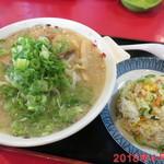 ラーメン天平 - 料理写真:こってりら~めん+ミニチャーハン \980