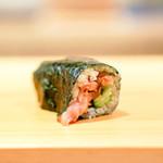 鮨 あらい - 胡瓜と貝のヒモの巻き物