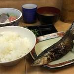 さかな亭 - とくとくサービスセット(刺身+サンマ)