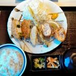 かつ久 - 串カツとチーズ巻きカツ定食(アレンジバー付き)¥1290(税抜)