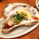 魚寿司 - 生牡蠣480円