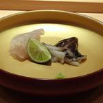 85045047 - *真子鰈(長崎)、鳥貝(愛知)は炙りで 真子鰈も旨みを感じますが、鳥貝は炙ることでより美味しく。