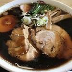 麺屋美麓 - 料理写真:黒ラーメン