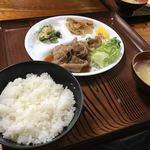 食堂しま - 料理写真:生姜焼き定食
