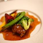 中国料理 礼華 四君子草 - 黒毛和牛と春野菜の四川風唐辛子炒め