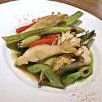 ビストロ お野菜と. - アイナメのポワレ 香草ソース(1,900円)