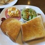 シーソー - 料理写真:スクランブルエッグトーストセット