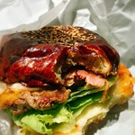 ザ グレートバーガー スタンド - 肉汁が溢れてジューシー(//∇//) 天然酵母のこだわりバンズも美味し!!