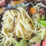 浜ちゃんぽん - 細めのチャンポン麺とキクラゲが絶妙にマッチ。