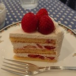 85070351 - ショートケーキ。