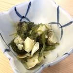 立呑み晩杯屋 - つぶ貝わさび ¥180