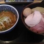 85081971 - 濃厚魚介つけ麺(中盛り)
