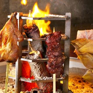 囲炉裏でじっくり焼き上げる、本格的なジビエ料理をご提供!