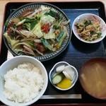 揚葉 - 豚ヒレ肉と色々野菜炒め定食(890円)