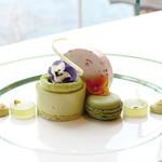サロン・ド・テ ロザージュ - 新緑 -ピスタチオと抹茶-