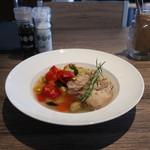 KUTSURO gu Café - 豚スペアリブの柔らか煮温野菜のせ