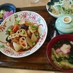 楽庵 - 鶏と混載黒ずあんかけ(税込993円)