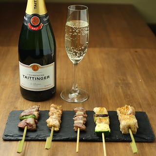 シャンパンと楽しむ焼鳥、逸品料理