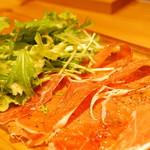 BISTRO DINING YOLO -