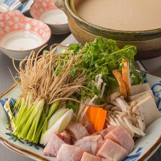 今美味しい仙台のご当地鍋!比内地鶏と春せりの水炊き♪